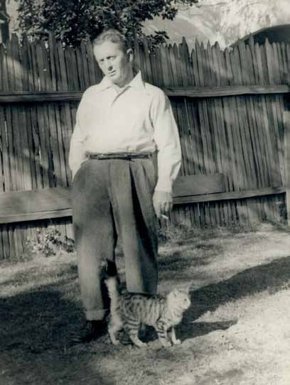 John Fante (born April 8, 1909) and his Los Angeles' kitty. #O.Lettera-Ti - @Libriamo Tutti - www.libriamotutti... -