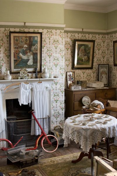 Lookiloos Opportunity Owners Islg Striped Wallpaper Victorian Living Room Victorian House Interiors Victorian Rooms
