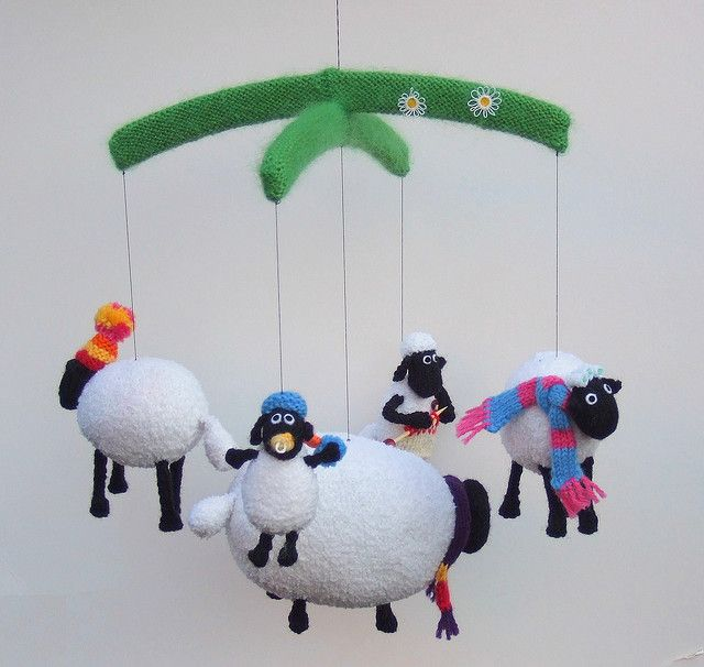 Shaun the Sheep mobile #knit | Sewing | Pinterest