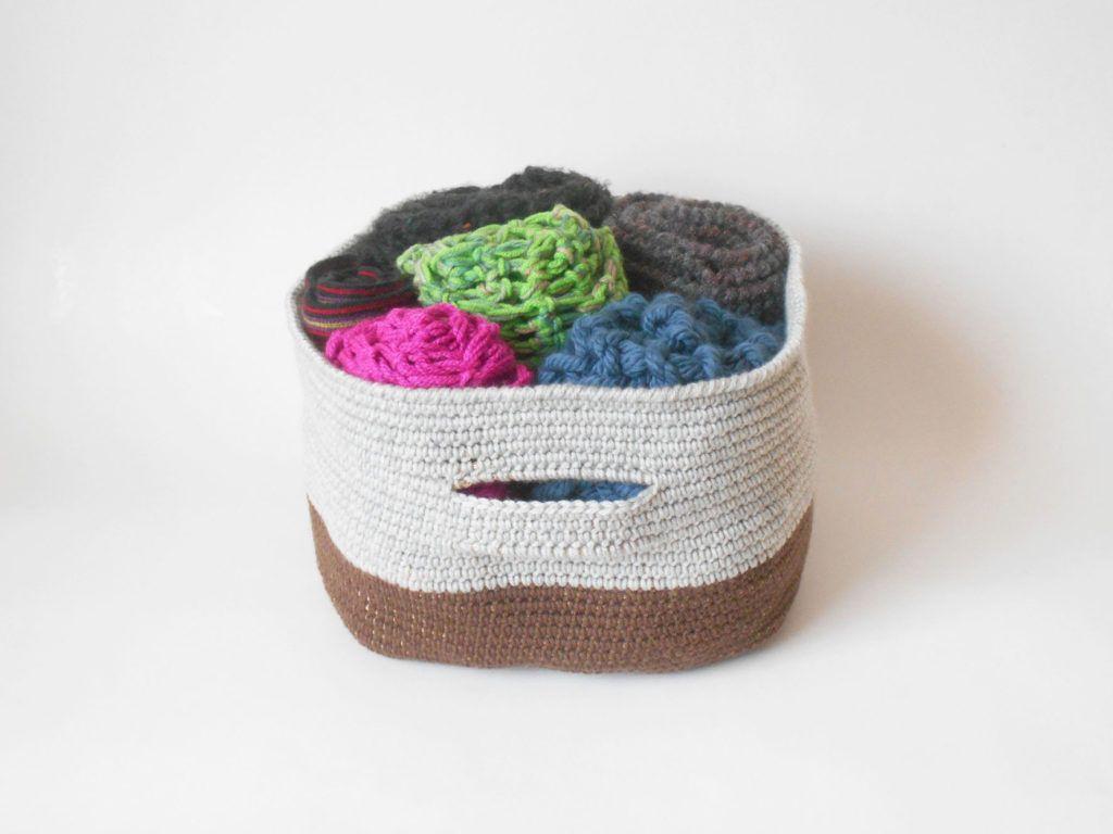 Bicolor basket / Canasta bicolor | cestas | Pinterest | Bicolor ...