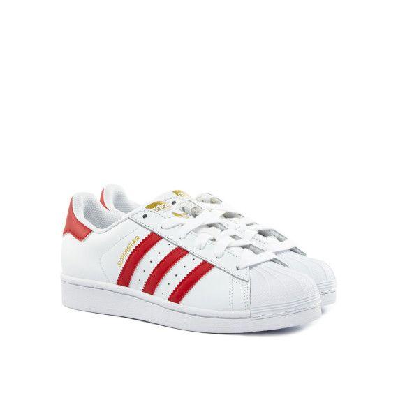 Superstar Sneakers in weissrot von Adidas. Richtig cool und