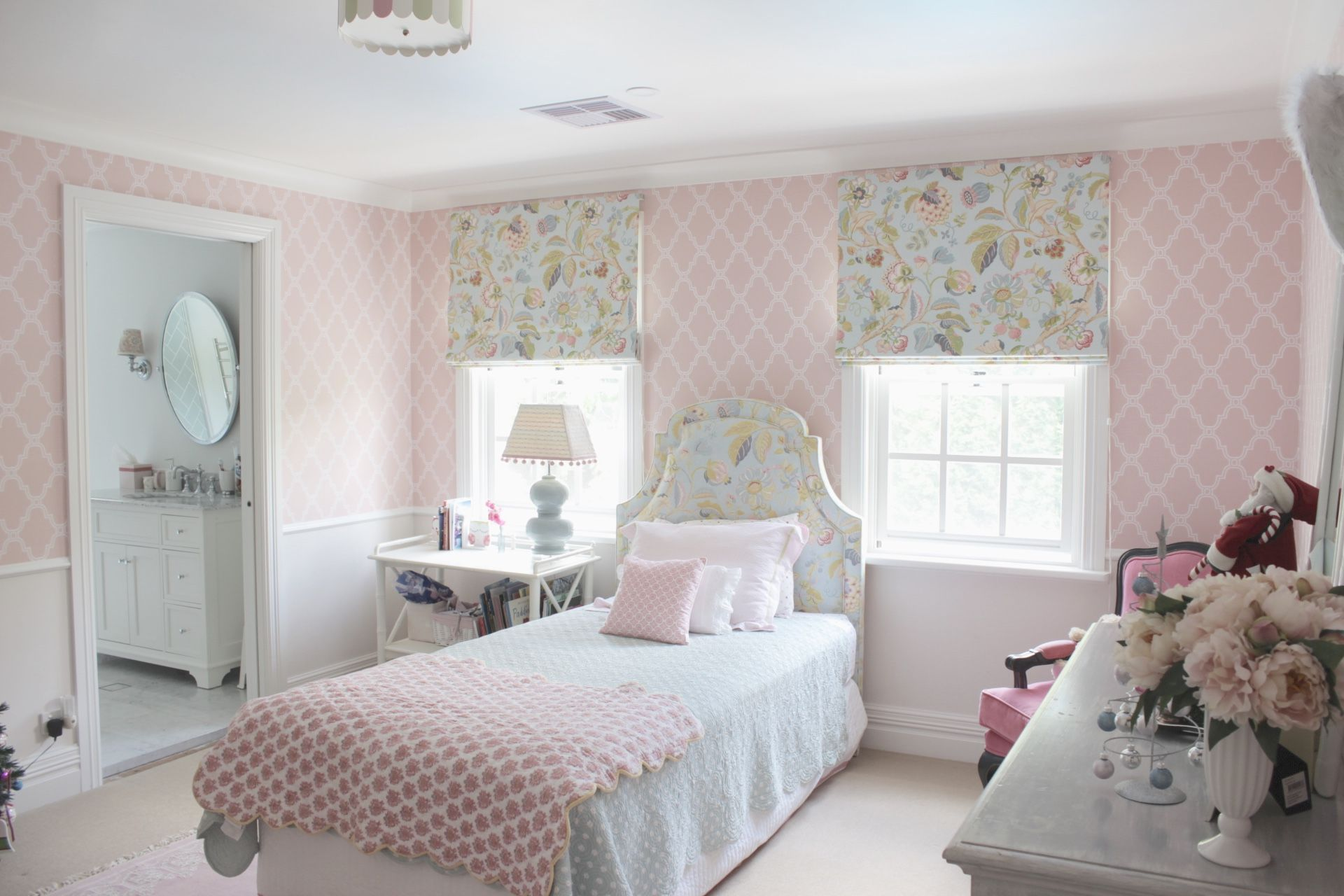Thibaut wallpaper girl\'s bedroom Melinda Hartwright ...