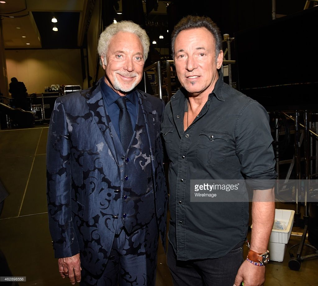 Tom Jones and Bruce Springsteen attend the 25th anniversary MusiCares 2015 Person of the Year Gala honoring Bob Dylan at the Los Angeles Convention Center on February 6, 2015 in Los Angeles, CALIFORNIA. ♬