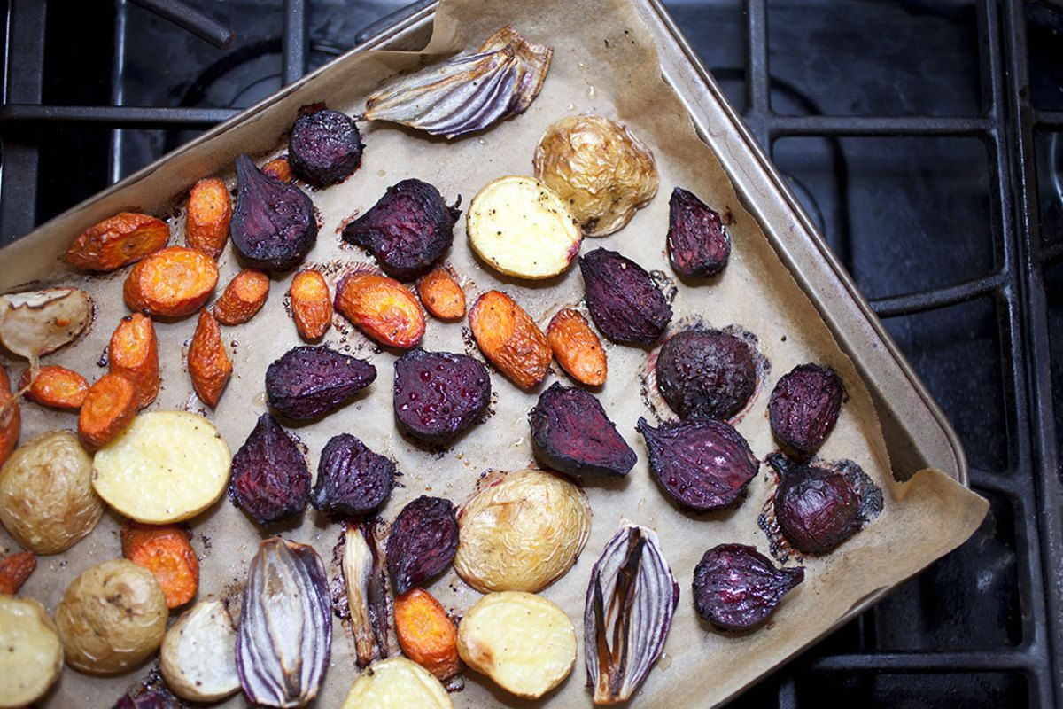 roasting veggies with aluminum foil vs parchment yummy and healthy roasted vegetables. Black Bedroom Furniture Sets. Home Design Ideas