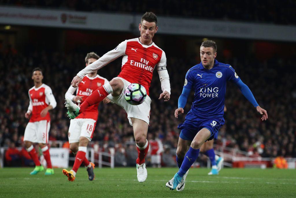 Laurent Koscielny Of Arsenal And Jamie Vardy Of Leicester City Clash Laurent Koscielny Leicester City Premier League Arsenal