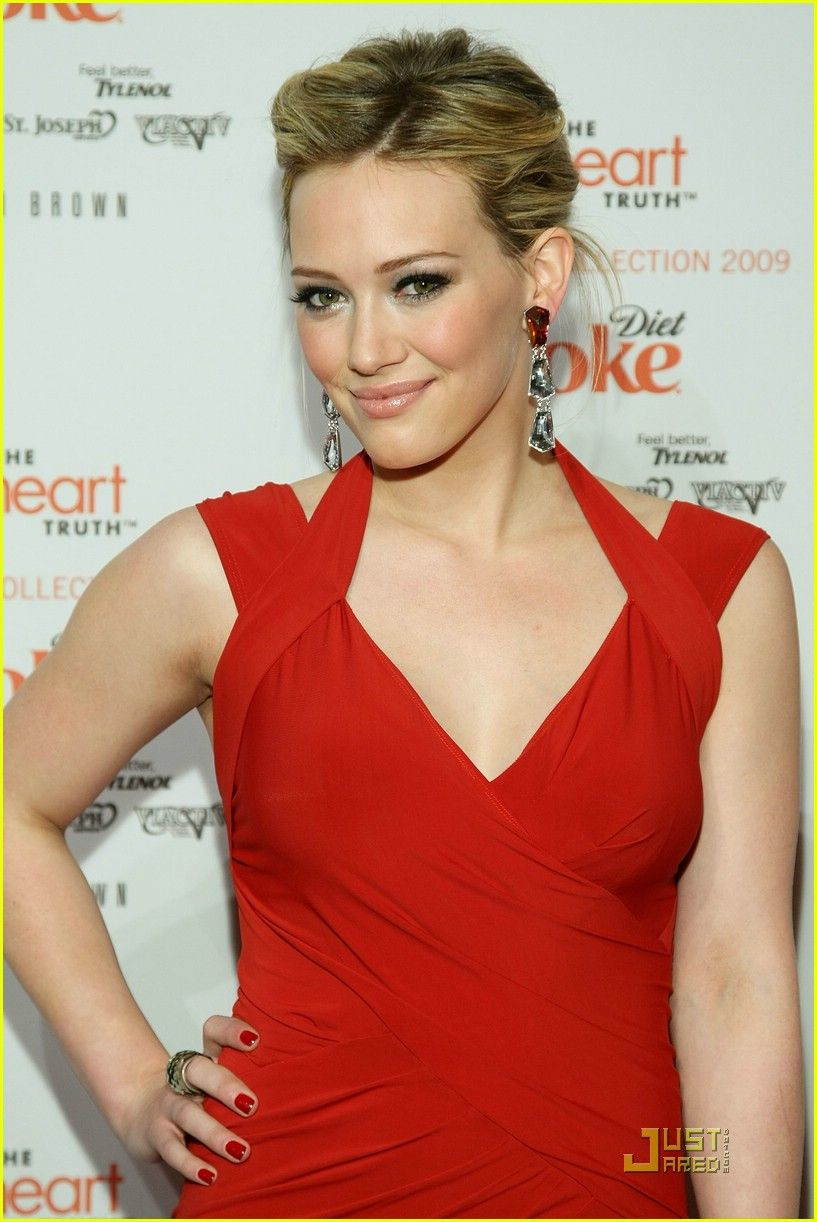 Pin by samanthamarie scrivener on red glamour pinterest hilary duff