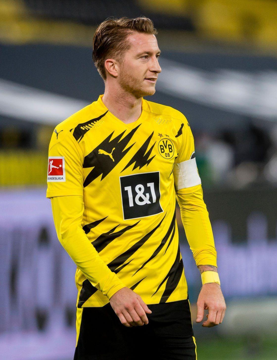 Heart Is Bvb Bravertz Brought Me Back To Tumblr Marco Against Schalke 24 10 2020 Julian Putting Bvb Borussia Dortmund Dortmund