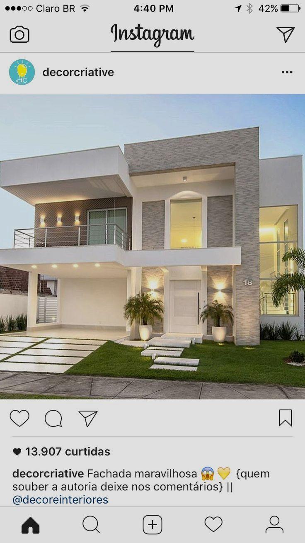Casa Grande De Dos Pisos Una Construccion Moderna Y De Lujo Que Te Dejara Con La Boca Abierta Fachadas Casas Minimalistas Casas Fachada De Casas Bonitas