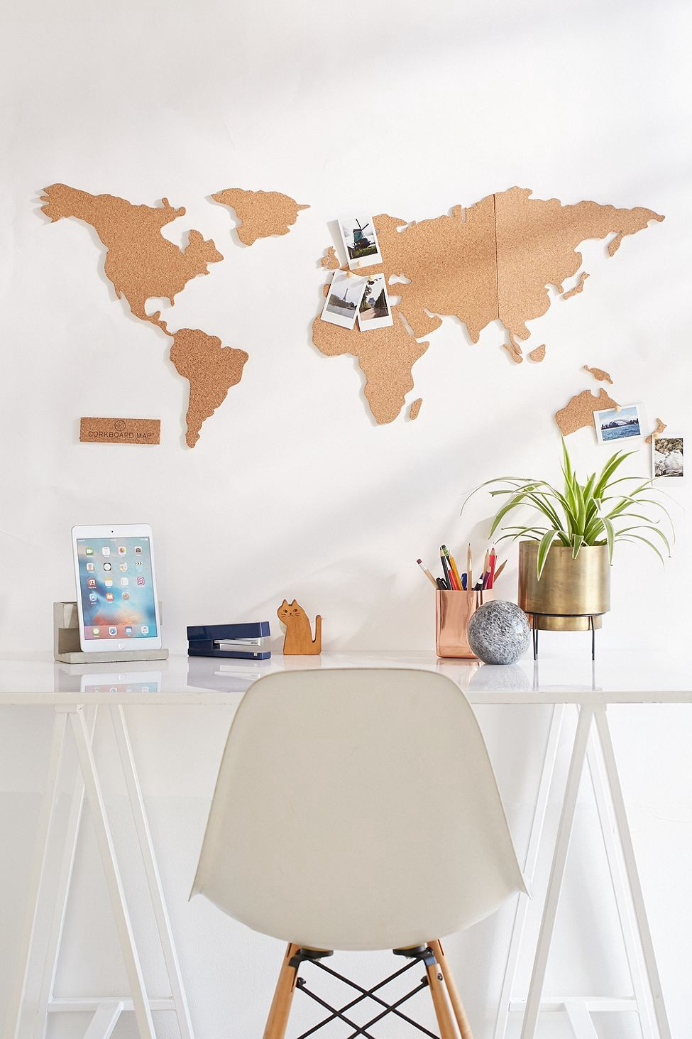 Urban Outfitters Cork Board World Map Cream e Size