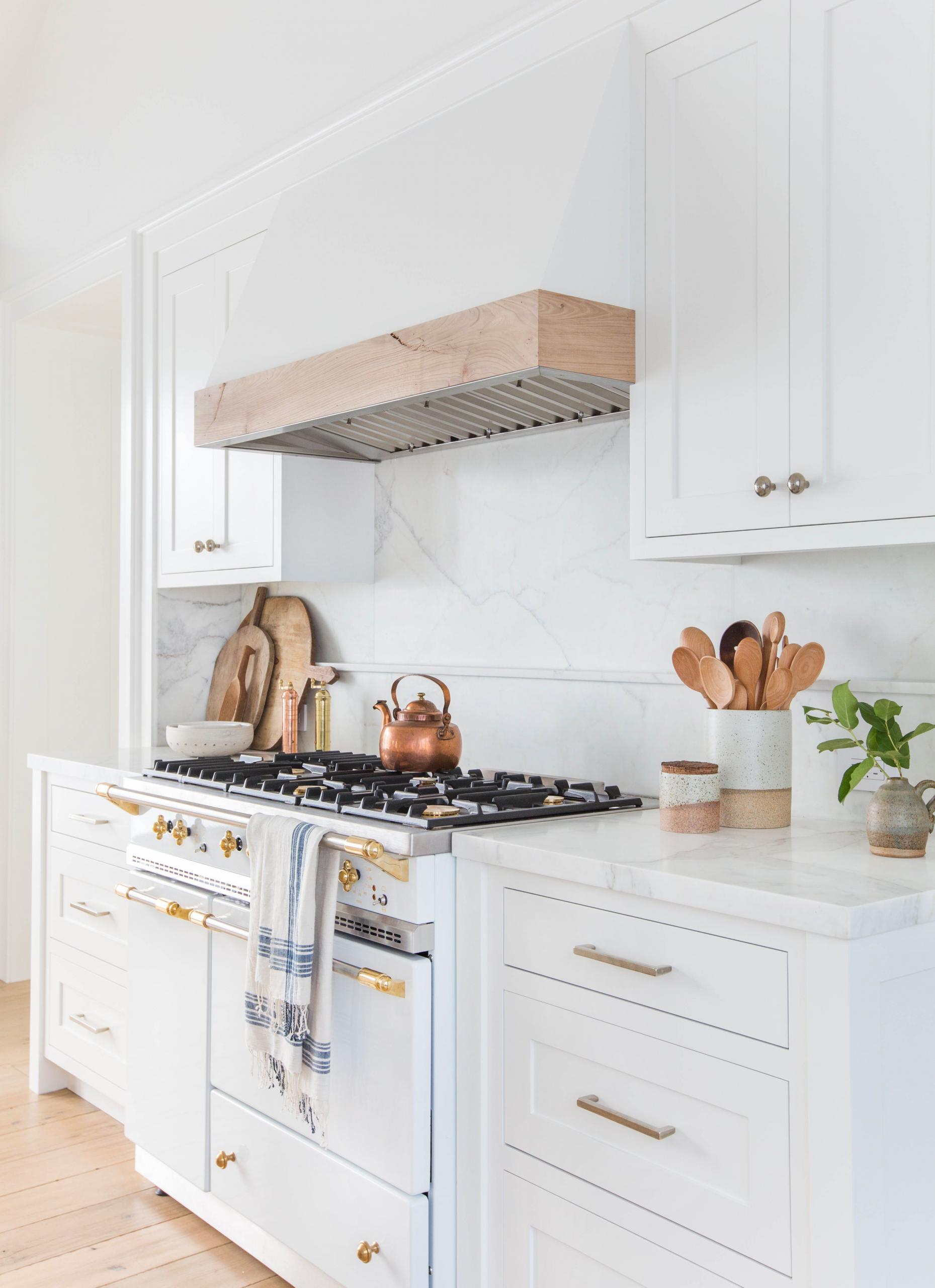 Unique Kitchens with White Cabinets 9 White Kitchen Cabinet Ideas ...