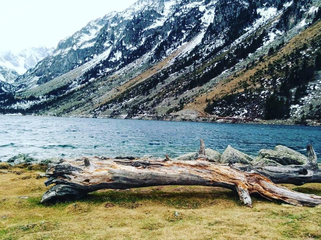Violette On Instagram Le Temps Est Comme Une Riviere Qui Coule L Eau Ne Passe Jamais Deux Fois Entre Vos Pieds Tout Com Instagram Photo Natural Landmarks