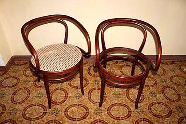 Fondi sedie ~ Il restauro di queste sedie oltre alla lucidatura del fusto
