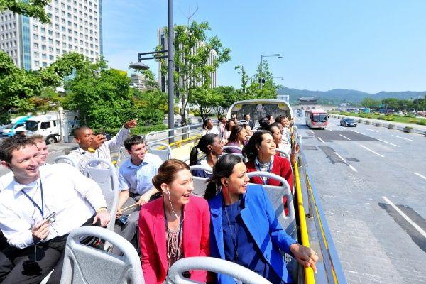 하나님의교회(안상홍증인회)는 이들을 위해 성경 연수 및 지역교회 방문, 문화 체험 등 다채로운 일정을 제공한다. 67차 방문단은 판교 테크노밸리와 인천 송도국제도시 등을 탐방하며 한국의 발전상을 확인했다.