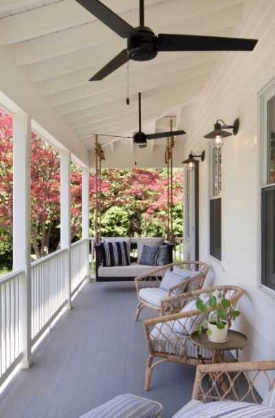 17 Modern Farmhouse Wrap Around Porch Ideas