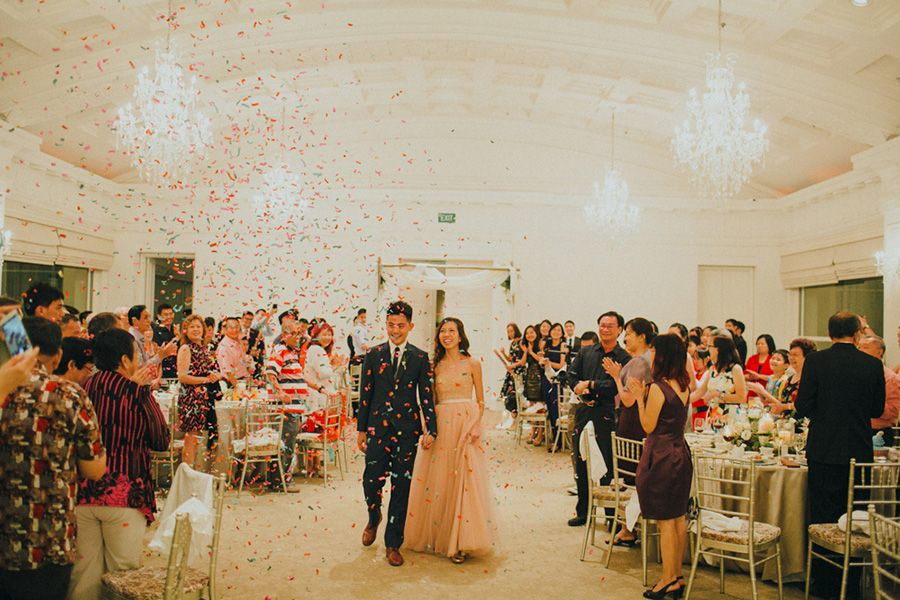 wedding reception photo booth singapore%0A Rustic chic wedding at The Straits Room  The Fullerton Hotel Singapore     Ivan and
