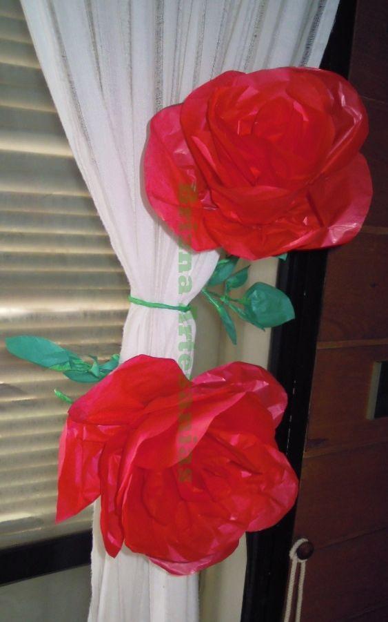 Rosas en papel de seda, realizadas para decorar las cortinas del ...