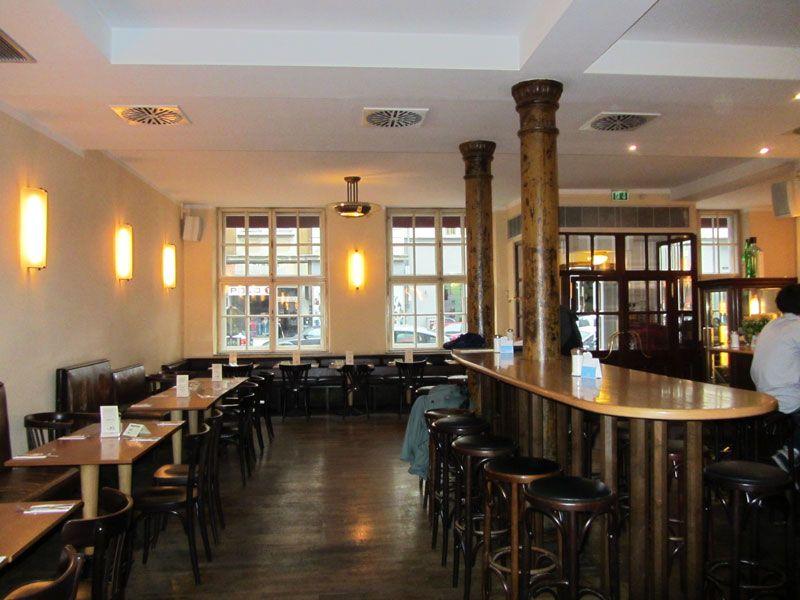 Gastraum Im Cafe Puck Dahoam In Munchen Fruhstuck