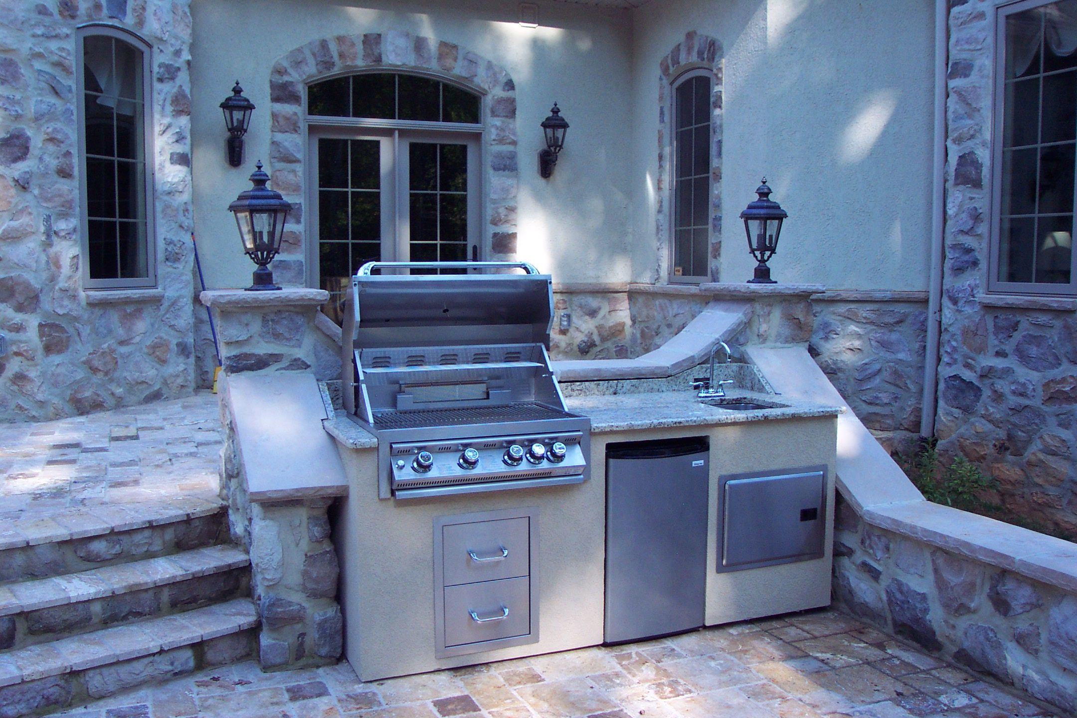 Custom Grill Builders- Complete Outdoor Kitchen! This 7\' wide x 32 ...
