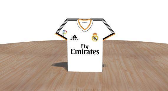 Esta Es Una Plantilla Editable Para Imprimir Y Recortar Un Modelo De Caja Estilo Camiseta De Futbol Del Club Real Modelos De Cajas Imprimible Cajas Plantillas
