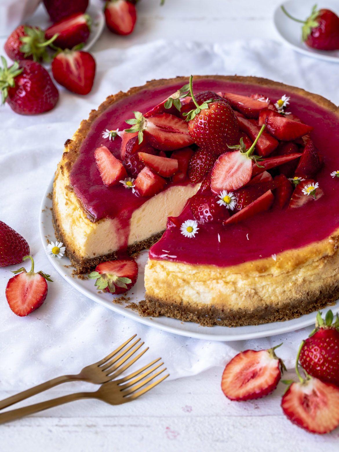 Photo of Rezept: Erdbeer Käsekuchen mit Keksboden backen Einfach lecker schnell gemacht …