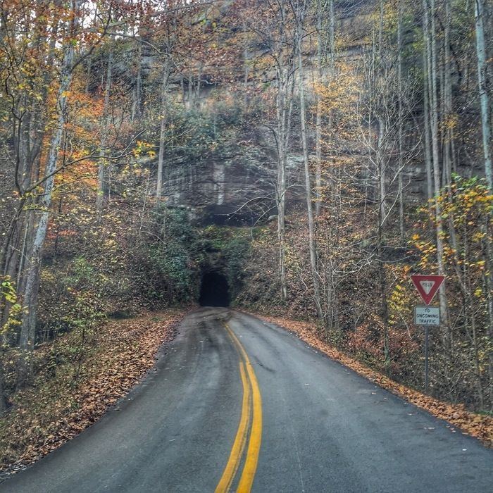 Road to Nada Tunnel at Red River