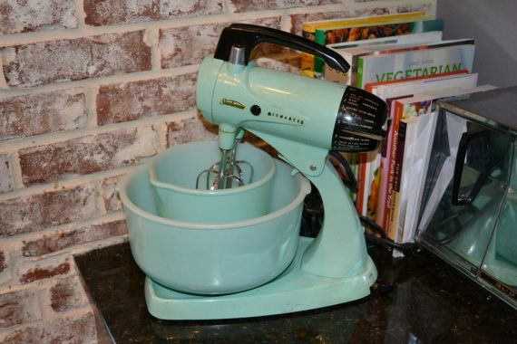 Rare Vintage Seafoam Mint Green 50 S Sunbeam Mixmaster Vintage Appliances Vintage Kitchen Utensils Vintage