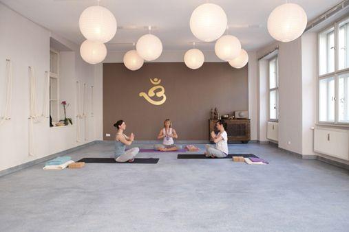 Love The Gold Stencil Yoga Studio Interior Yoga Room Yoga Studio Design