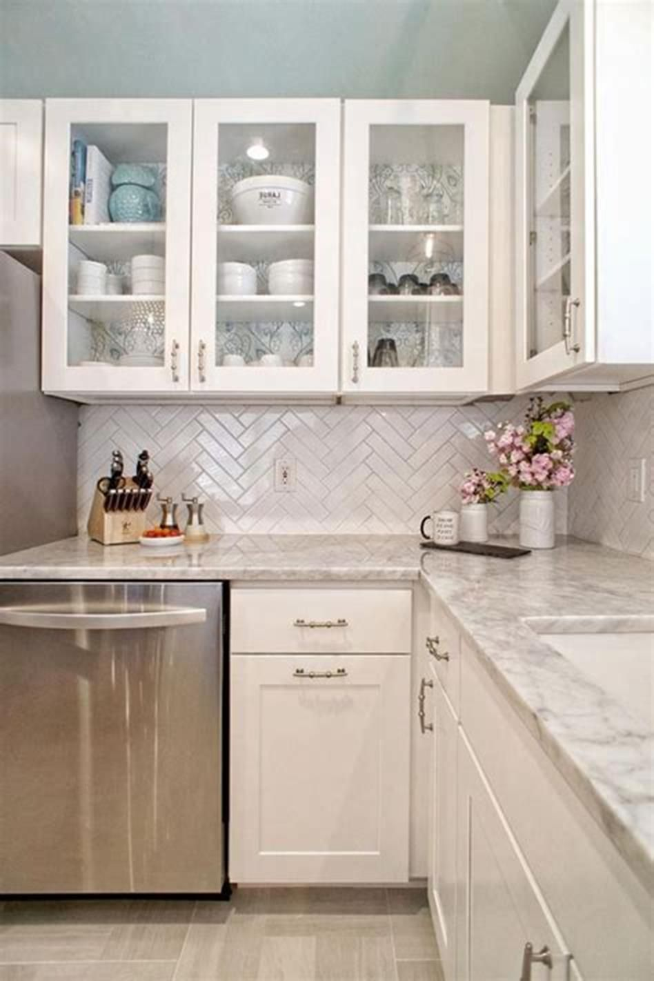 46 Amazing Ideas Kitchen Design Trends 2019 41 Small Modern Kitchens Kitchen Remodel Small Kitchen Renovation