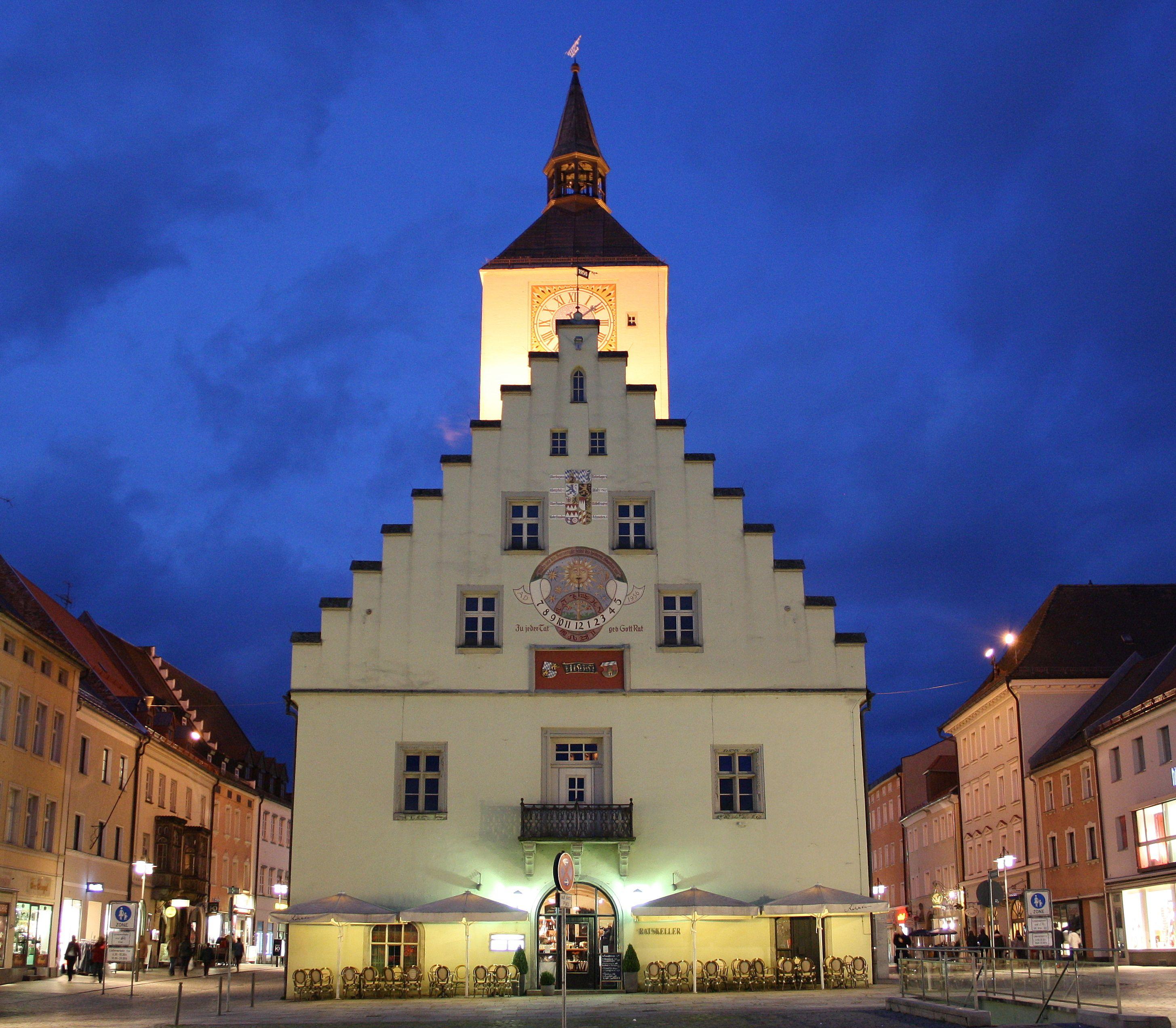 Das Altes Rathaus in Deggendorf (Germany)   Ferry