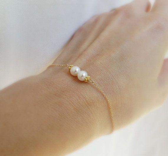 Simple pearl Bracelet, Freshwater pearl bracelet with skinny gold chain, custom birthstone bracelet, Bridesmaid gifts, delicate bracelet