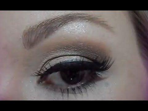 Assista esta dica sobre |deboramaksimiuk| PASSO A PASSO... Maquiagem Glam: Olhos neutros e boca colorida e muitas outras dicas de maquiagem no nosso vlog Dicas de Maquiagem.