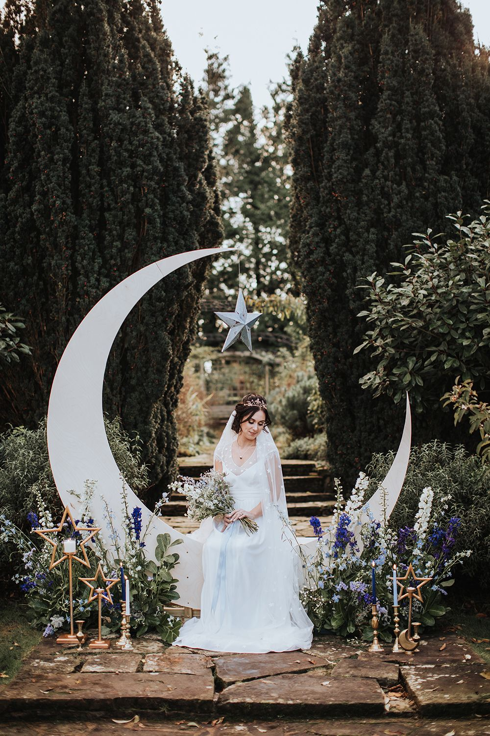 Pin By Delaney Adele On Wedding In 2020 Star Themed Wedding Star Wedding Moon Wedding