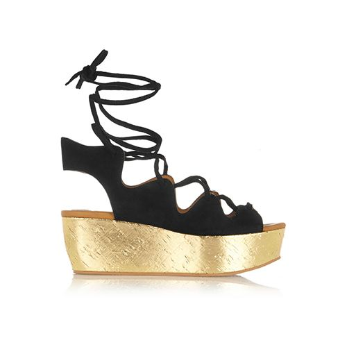 See by Chloé – Shoe of the Moment: Plateau Sandalen mit fernöstlichem Touch, 70s-Flair und sportlicher Attitüde. Am schönsten lassen sie sich zu Schlag- hosen und Kleidern mit Blumen-Prints kombinieren. Hier kommen unsere 7 Lieblingsmodelle!