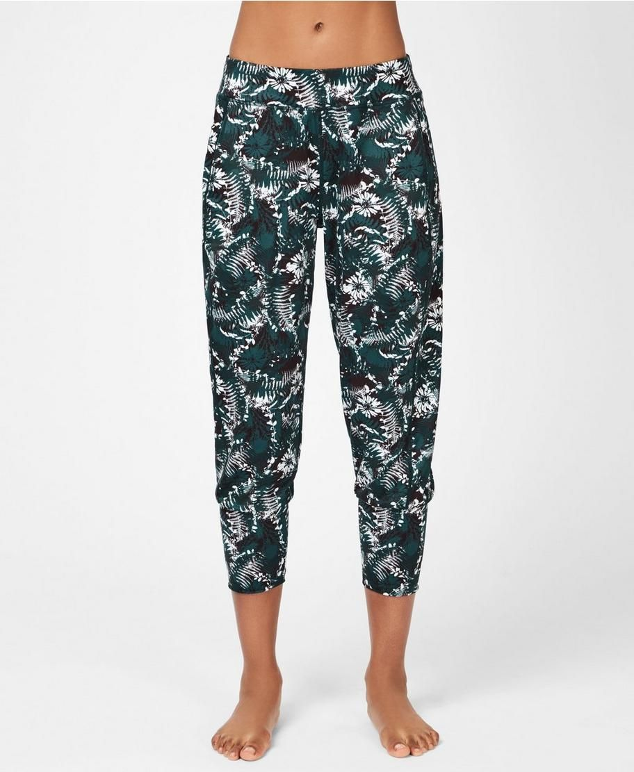 latest style discount price get new Garudasana Yoga Capris - Stargazer Wild Garden Print ...