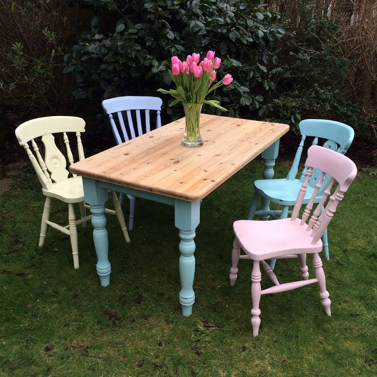 Superb Summer Table And Chairs Part - 8: Welcome The First Blush Of Summer With This Beautiful Cottage Dining Table  And Pastel-painted