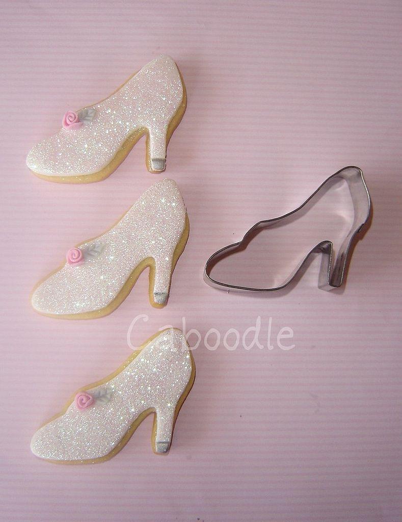 Too cute cinderella cookies princess cookies pinterest