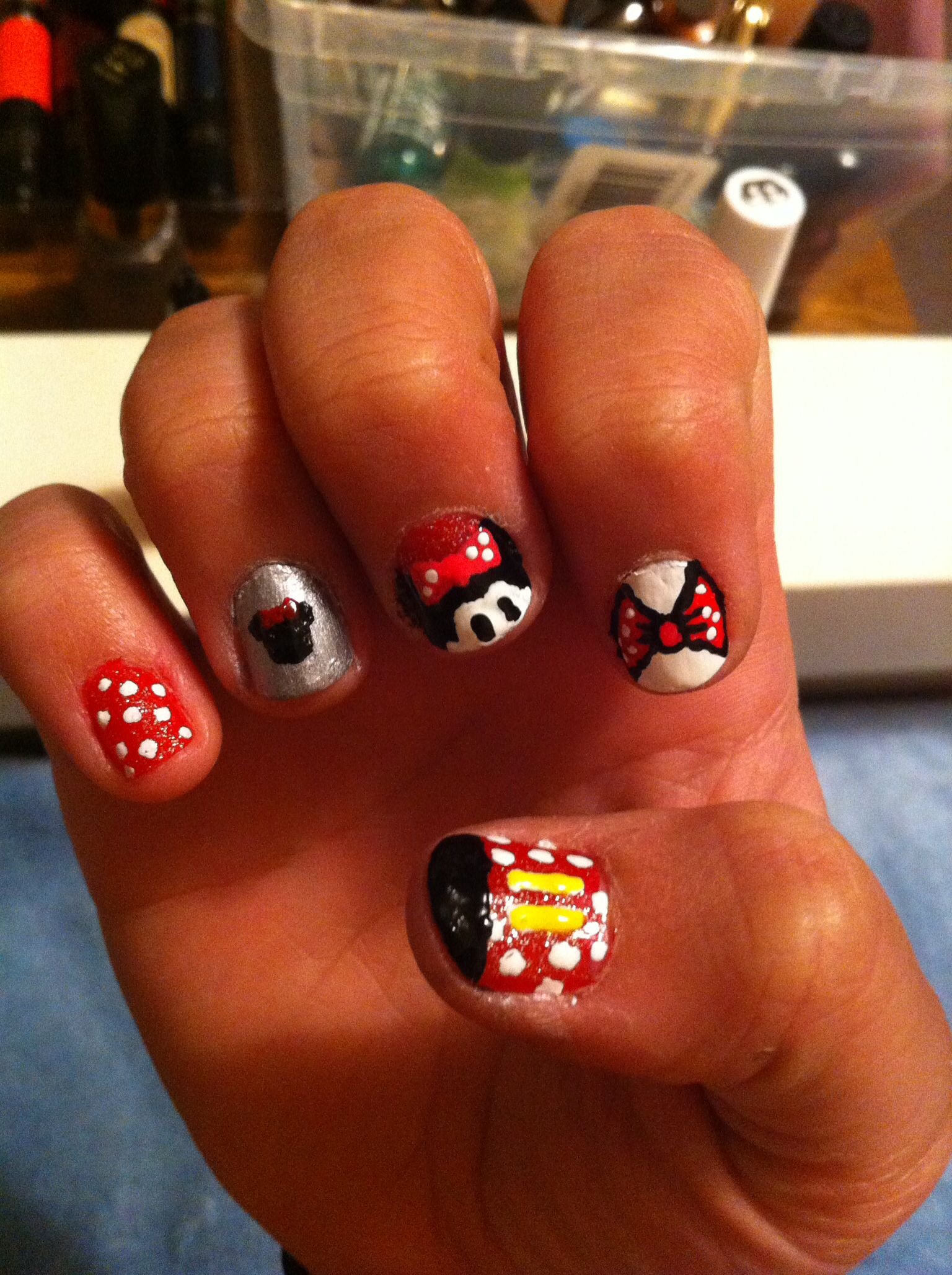 Minnie Mouse nails done by Michelle Kim. No fake nails. All drawn by ...
