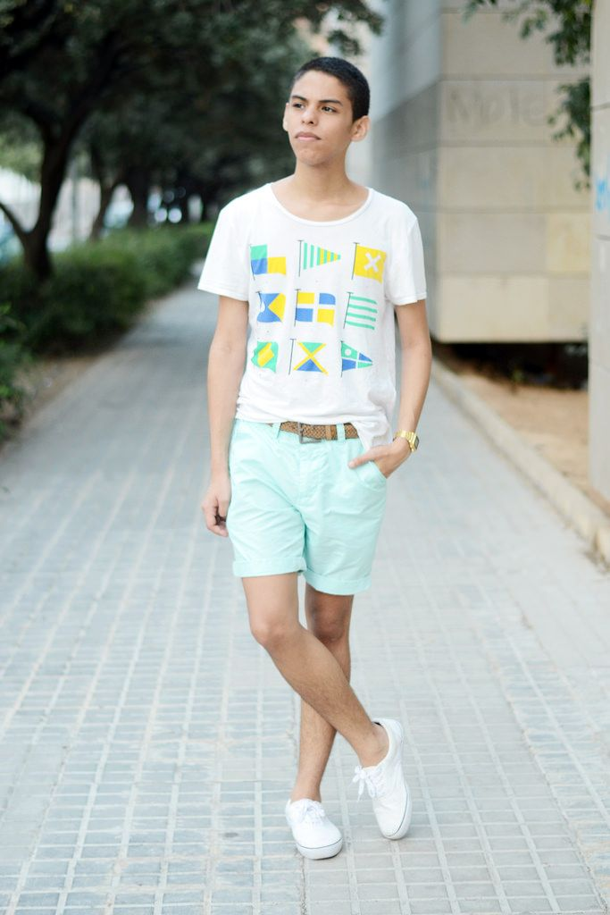 Men's White and Yellow Print Crew-neck T-shirt, Mint Shorts, White ...