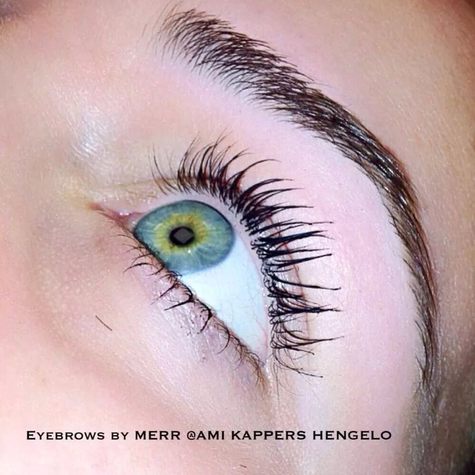 Eyebrow threading by MERR hairandmakeupbymerr eyebrowthreading