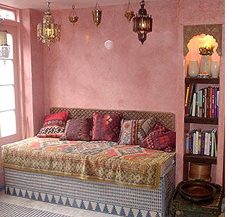 Moroccan style – a unique exotic comfort of your home, featuring a warm, bright and original interior. First of all, Moroccan style known for its diversity of design which is distinguished by its simplicity and sophistication. It is suitable for a luxury mansion, and for a simple home.