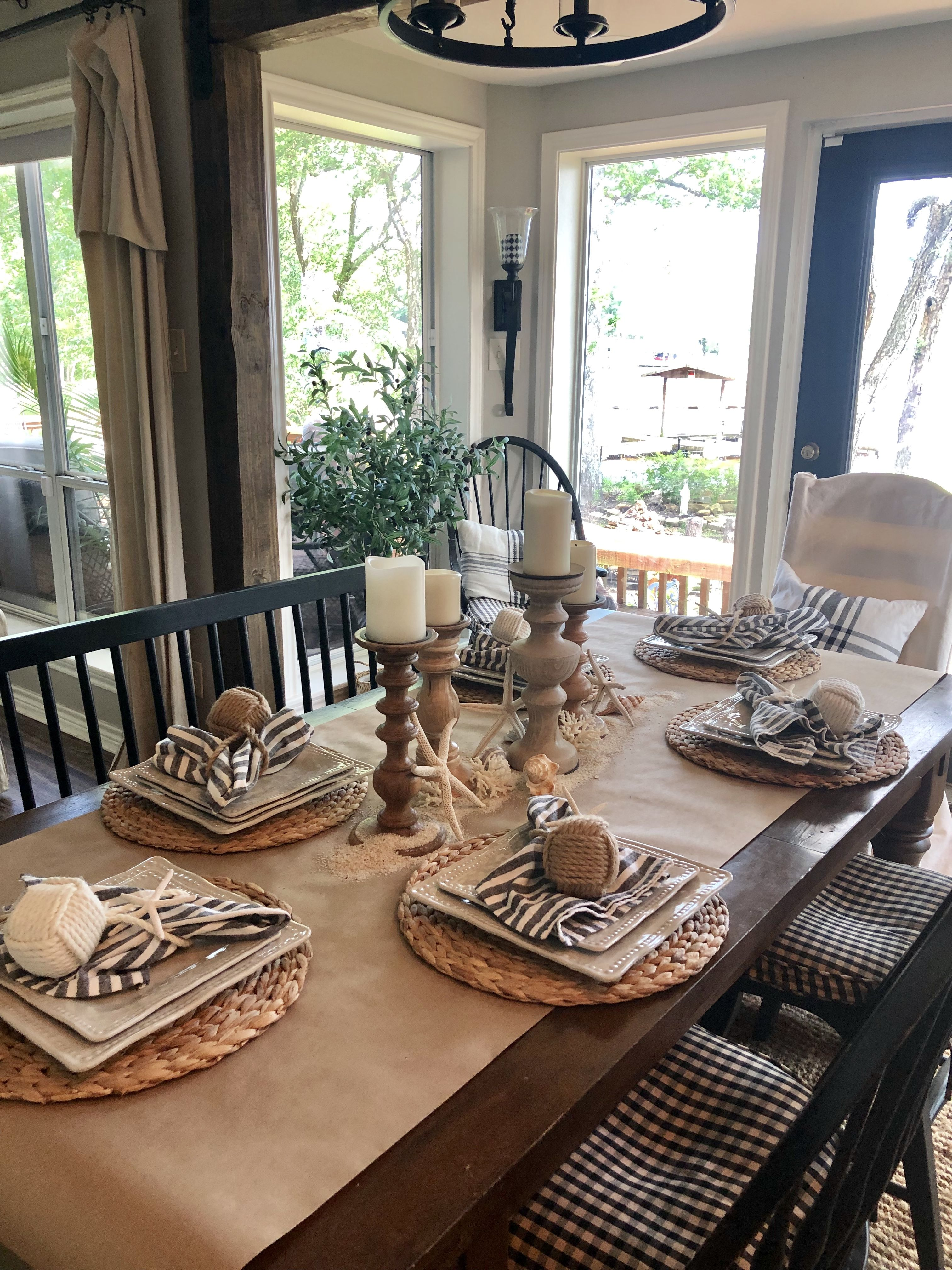 In This Post I M Sharing 2 Simple Tablescapes For Your Summer Entertaining Summer Table Ideas Summer Ta Summer Tables Fall Dining Table Pretty Table Settings