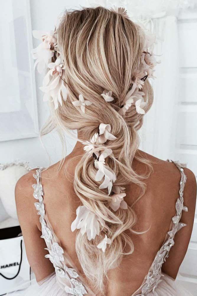 33 Ideen, um Ihre Hochzeitsfrisur mit Haarschmuck zu verschönern -  Down Styles Mit Feed In Schmuck Blumen #Hochzeitsfrisuren ❤ Weise Bräute wissen, dass sie nur mi - #beautifuljewelry #haarschmuck #hochzeitsfrisur #ideen #Ihre #jewelryphotoshoot #mit #verschonern #weddingjewelry #weddinghairjewelry