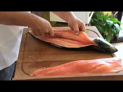 How To Fillet Salmon In 30 Secondes Thefrenchcooker Youtube Fish Cleaning Fish Salmon Fishing