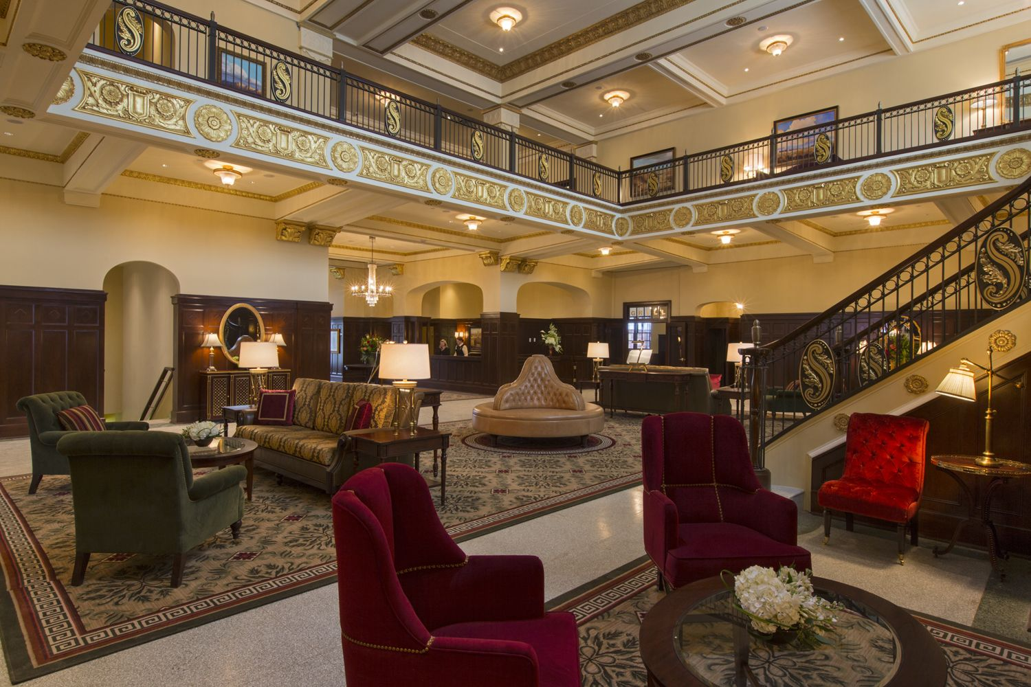 Gorgeous Haunted Hotel Settles In Big Spring Tx