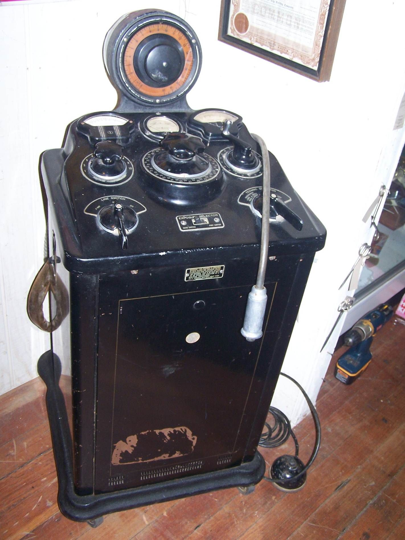 Xray machine Found In Attic 714.388.6691 Vintage medical