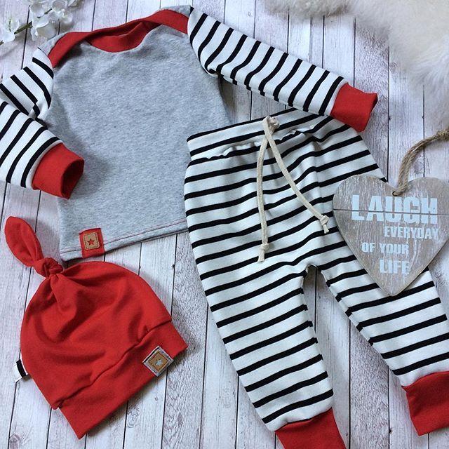 VERKAUFT‼️#frischgenäht#unikat#zumverkauf#madeitmyself#handmade#becreative#dowhatyoulove#nähen#sewing#sewingforbaby#baby#baby2017#baby2018#steifen#stripes#herbstoutfit#rot#schwarzweiss#fashionart#babyfashion#babyset#größe62#➡️ bei Interesse bitte eine Nachricht per DM