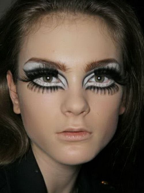 Marvelous 60S Style Eye Makeup Let Yourself Be Beautiful Babe Hairstyle Inspiration Daily Dogsangcom