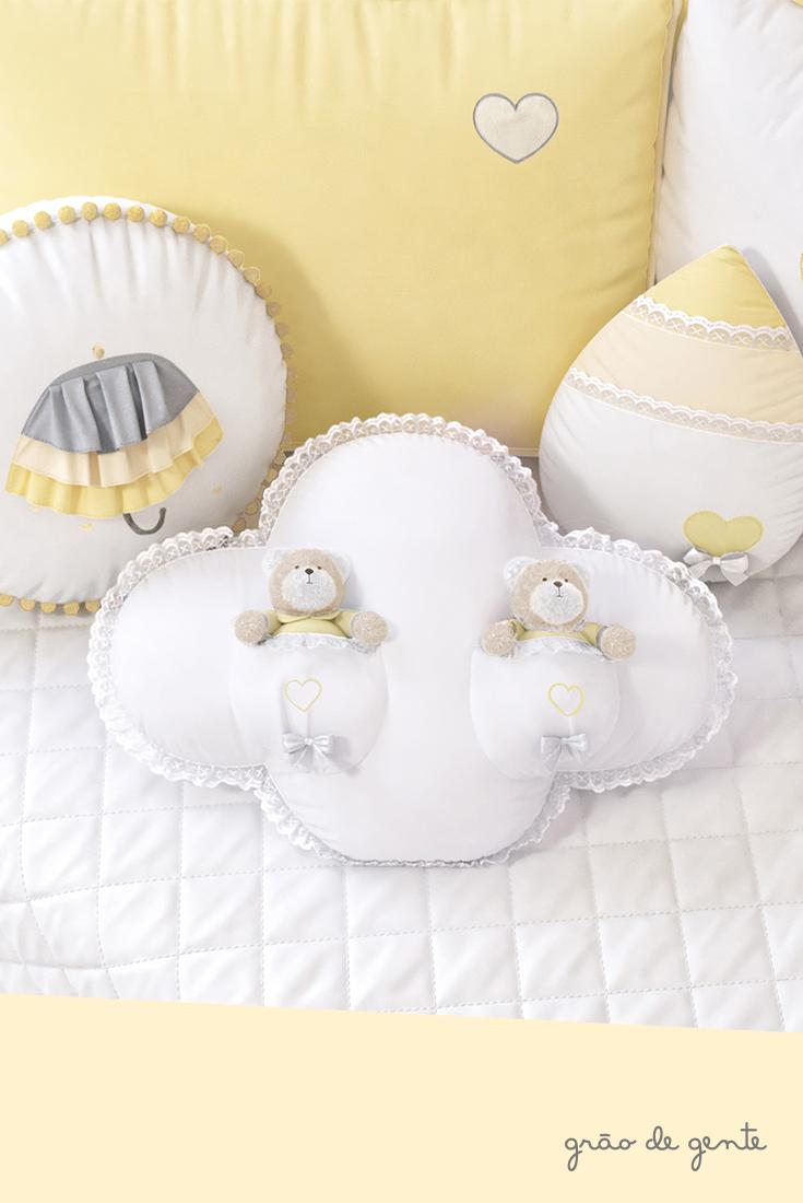 df3727f7fae42 Um toque todo especial para o quarto do seu bebê! A Almofadas Chuva de Amor