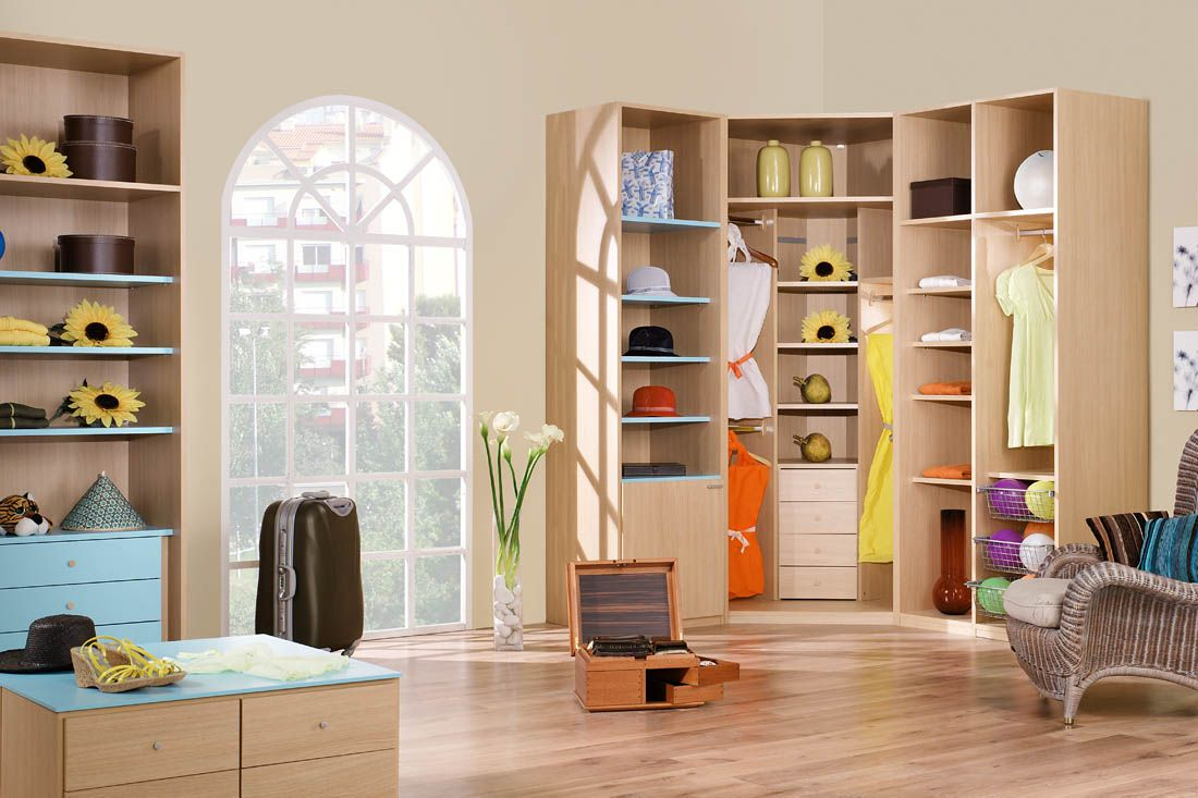 Armarios a medida para tu habitaci n armario esquinero for Catalogos habitaciones juveniles precios