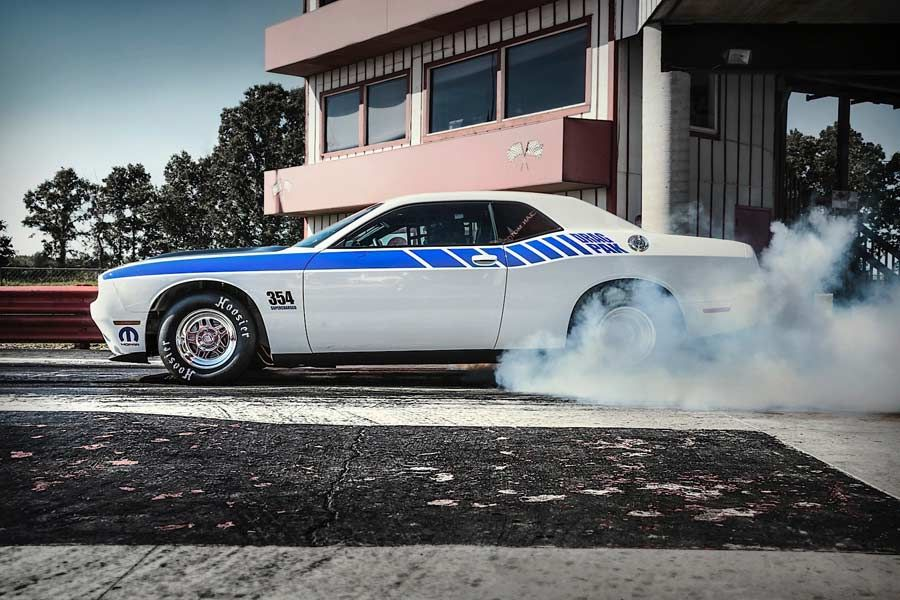 Mopar S Drag Pak For The Dodge Challenger Is All Your Drag Race